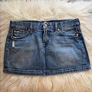 Super cute 7 for all mankind retro mini skirt